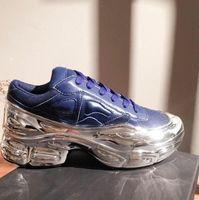 2020 جديد الرجال Sneeakers RAF سيمونس رياضة EE7947 أحذية Ozweego في الفضة معدنية تراجع تأثير الوحيد الرياضة المدرب متعدد الألوان الرجال حذاء 36-44