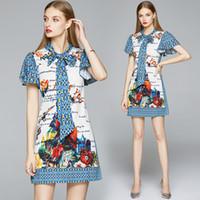 2020 Verão Luxury Designer Scarf laço Neck senhoras Short Casual Escritório vestidos da forma Mulheres Cartas florais Imprimir manga curta Mini Vestido