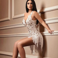 Сексуальные мини-кружева Платья выпускного вечера 2019 Sheer V-образные шарики Backless Вечерние платья с кисточкой Формальное платье