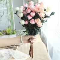 6 teste / bouquet Rose Decor Artificiale PE Fiore Decorazioni per la casa Finto fiore finto per piante da giardino Decorazioni per scrivania da sposa Fiore per mano