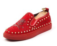 Männer Glitzer-Schuhe neue Mens arbeiten beiläufige Ebene Männer Entwerferkleidschuhe Niet Loafers Männer Plattform Driving Schuhe