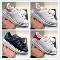 Mcqueen Enfants Black Velvet Plate-forme Chaussures de sport de luxe de White Party en cuir véritable Chaussures enfant Gift24--35