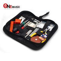Pieghevole nero basso elettrico Strumenti Kit Bag 20 * 10 * 5cm con conducente String Winder Screw Pickholder Chitarra Righello Accessori per Chitarra