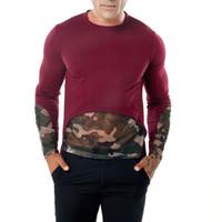 2018 Otoño Nueva Hombres O Cuello del camuflaje del remiendo sólidas camisetas de manga larga suéter del algodón Tee