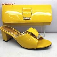 Nuovo arrivo scarpe di colore giallo italiano con borse di corrispondenza scarpe  da donna nigeriano partito e set di borse scarpe e borsa Set di design ... 0dd1720bd63
