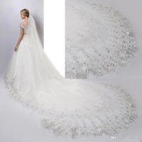 2020 Luxus Perlen Kristall 3 Meter Kathedrale Länge Brautschleier Weiß Elfenbein Spitze Applique Pailletten Rand mit Kamm Hochzeitsschleier CPA887