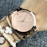 Montre-bracelet à quartz pour hommes femmes femme style métal band montres 02
