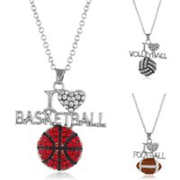 Kocham Koszykówka Siatkówka Nożna Naszyjniki Dla Kobiet Kryształ Kształt Kształt Rugby Wisiorek Łańcuchy Moda Sport Kochanka Biżuteria Prezent