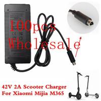 Adaptateur d'alimentation de chargeur de chargeur de chargeur 100pcs 42V 2A de scooter pour Xiaomi Mijia M365 Scooter électrique Skateboard EU / AU / UK Plug