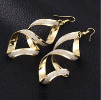 Fırçalama Altın Kaplama Balık Kulak Kancası Küpe Kadınlar Bildirimi Takı Moda Punk Dangle Küpe Çapraz Charm Eardrop Parti için