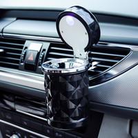 Accessoires de voiture Universel De Luxe Portable LED Lumière De Cendrier De Voiture Porte-Cigarette De Voiture Style Fumée Noir Blanc Coupe De Stockage VT0971