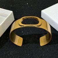 HOT vente ont les timbres bracelets de charme lettre d'or d'amour de la mode pour les femmes bangle pulsera Party amateurs de mariage bijoux cadeau avec boîte