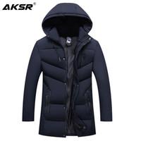 Capa de la chaqueta de invierno con capucha gruesa capa caliente del invierno de los hombres de AKSR Hombres de gran tamaño rompevientos Parkas abrigos chaquetas para hombre Ropa 2019