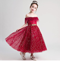 Bateau Red Flower Girl Dresses Retour Zipper Girls Pageant robes en dentelle Petite fille robe ceinture or modèle de marche spectacle fille en stock