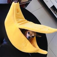 Forma de plátano del gato del perro cama del animal doméstico casa de la estera del amortiguador duradero perrera perrito del perrito de la cesta calentamiento del gato del perro portátil Material S / M / L / XL