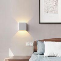 Éclairage mural en plein air de 10W LED en haut IP65 Imperméable Blanc Blanc Noir Modern Fixtures Lampe AC85-265V Éclairage à la maison