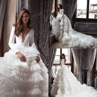 Milla Nova Princess Beach Brautkleider V-Ausschnitt Langarm Satin Rüschen Langer Gericht Zug Brautkleider Plus Größe Robe de Mariée