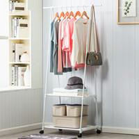 Multifunción Triángulo Capa Rack Dormitorio removible Ropa de colgar Rack con ruedas Piso Pie de cola Colgador de ropa Curvv
