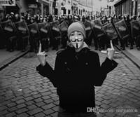Сторона Маски V для Vendetta Маски Анонимные Гая Фокса Костюмированный взрослого костюма Вспомогательное оборудование Пластиковые партии Косплей Маски