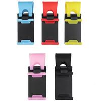 Soporte universal para teléfono para automóvil Soporte para teléfono en el volante para el automóvil Soporte para teléfono de montaje de la bicicleta Stent para iPhone X 8 7 6 s SAMSUNG GALAXY S8 Paquete al por menor