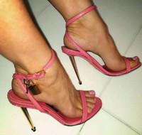 Новая мода сексуальный открытый носок ремешок лодыжки женщина сандалия золотой замок тонкие каблуки сандалии летние туфли на каблуках гладиатор сандалии