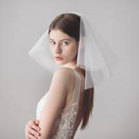 Vidons de mariage Vintage Visage Failer Mariage Morceaux Cheveux de mariage 2 niveaux avec perles Courts Headpieces de mariée Bridal Veil Blother DB-V611