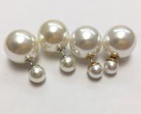 Fashion-koreanische Art Zwei-seitig White Pearl Nachahmungen von Perlen Stollen für Frauen Boutique Klassik Doppelseiten-Perlen-Bolzen-Ohrringe
