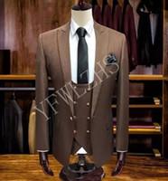 Классический One Button Красивый Groomsmen Пик нагрудные Groom Tuxedos Мужские костюмы Свадебные / Prom Best Man Blazer (куртка + брюки + жилет + Tie) W100