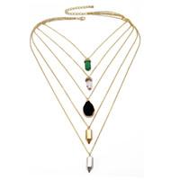 Collana a girocollo a catena multistrato Collana a pendente con cristallo chakra esagonale in pietra