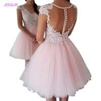 Розовый Sheer Cap рукава Кружева A-Line Homecoming платья 2019 Тюль аппликация бисером выпускного вечера краткости платья партии с помощью кнопок