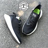 Top qualità Uomini Donne Treeperi Basfboost corridore 711 Running Shoes progettista Sneakers nero bianco lupo grigio volt formatori rosa 36-45