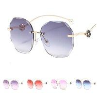 Mode féminine Lunettes de soleil sans monture Parage Sun Glasse Lunettes Lunettes anti-UV Perle Fleurs ronde Cadre Lunettes d'ornement A ++