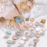 8 teile / paket Silikon Zehen Separator Gänseblümchen Blume Charme Pearls Design Fußteiler Form Salon Maniküre Pediküre Pflege Nail art Werkzeuge