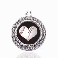 Corazón de un jugador de béisbol círculo encanto colgante de cobre para collar pulsera conector regalo de las mujeres accesorios de joyería