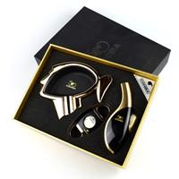 Luksusowa wysokiej jakości cygaro zestaw z lżejszą ścianką i podajnikiem popiołu ma czarne pudełko