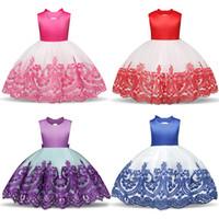 Moda novas meninas bordado vestido de volta menina flor oco arco vestido europeu e americano infantil vestido