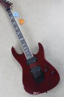 EMG toplama, alev bej kaplama, renkli inci bağlama, vücut dizeleri ile özelleştirilmiş servis ile kırmızı elektro gitar