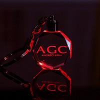 Design personalizzato Incisione laser Motivo Portachiavi in cristallo LED Fasciatoio colorato Coppia portachiavi Matrimonio Natale Regalo di San Valentino EEA158