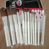 Kylie Jenner 12 Pcs Set Holiday Edition Brushes Make Up Set ...