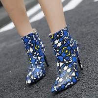 الخريف والشتاء الأوروبية الجديدة والأحذية النسائية الأمريكية خنجر الأحذية وأشار الأطفال كبيرة الحجم مطابقة الألوان بالجملة