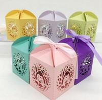 Şerit ile ot mücadelesi Parti Şeker Kutuları Aşk Kuş Lazer Kesim Hollow Taşıma Bebek Şekeri Kutuları hediyeleri Çikolata Kek Kutusu Favor Sahipleri