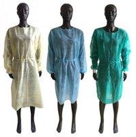 Aislamiento de protección no tejida batas desechables PP ropa protectora contra polvo Coveral ropa de funcionamiento delantales OOA8182
