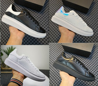 scarpe piattaforma Chaussure Designer nuovo lusso dei pattini casuali di cuoio di colori solidi piatto 3M Reflective Uomini Sneakers partito delle donne di velluto Trainers
