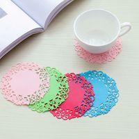 컵 매트 패드 코스터 중공 아웃 꽃의 desgin 부드러운 실리콘 컵 패드 뜨거운 음료 잔 유리 접시 테이블 장식 절연 패드를 슬립