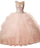 Coral Peach Sheer Crystal Perlen Strass Rüschen Tüll Ballkleid Sweet 16 Kleider Backless Ballkleid Quinceanera Kleider