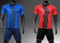 Conjuntos melhor futebol online terno de manga curta terno homens adultos personalizado equipe jogo-treino Kit de treinamento personalizado de Futebol Com Shorts