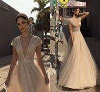 Billiga Champagne Deep V Neck Sparkly Sequined Bröllopsklänningar Vintage Lager Tulle Beach Bohemain Bridal Gown 2459