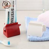 WIILII 1 Pcs Prática Início Banho Set Acessórios Rolar Tubo Tooth Extrusora Cole Dispenser Tooth Brush Holder cor aleatória