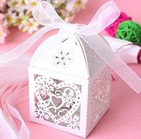 Düğün Favor Sahipleri Şeker Çanta Kağıt Ile Çiçek Kalpler Hollow Lazer Kesim Düğün Hediye Kutuları BW-XTH-31AA