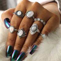 2019 7 unids / set Vintage Antique Silver Tallada Flor Corona Midi Anillos Set Opal Stone Silver Knuckle Anillos de dedo Accesorios de la joyería Anillo Punk